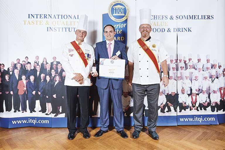 Entrega certificado premio iTQi 2018